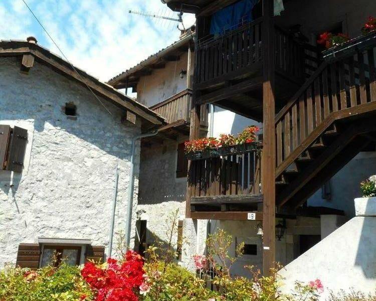 tipica casa in pietra bicamere Clauzetto