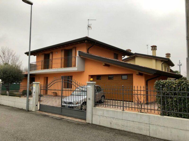 recente villa tricamere zona ospedale Latisana