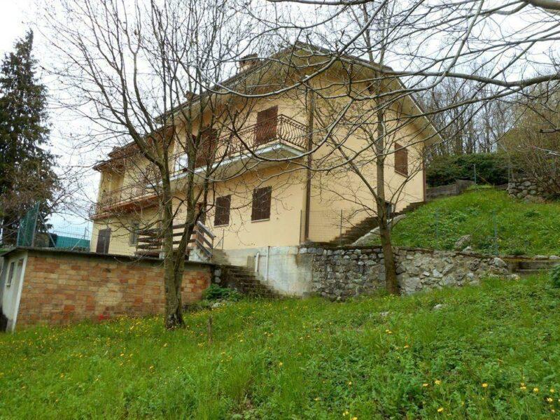 panoramica casa bicamere con ampio giardino Vito d'Asio