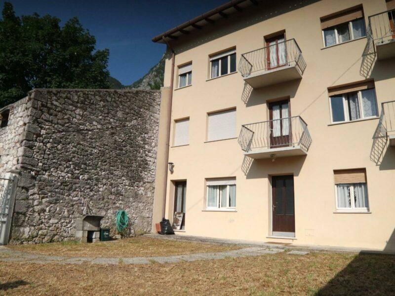 Casa pluricamere con giardino Venzone
