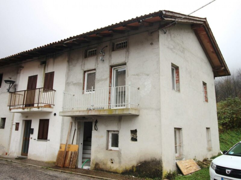 Casa Bi/Trifamiliare Taipana