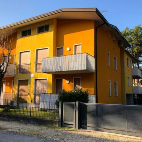 Appartamento bicamere in duplex con terrazzo solarium Bibione