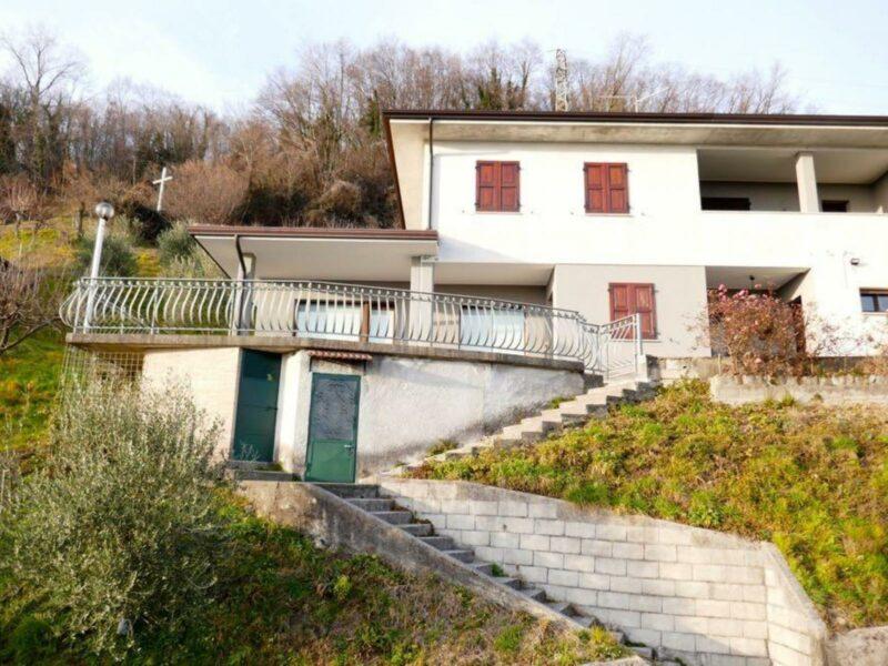 CASA BICAMERE ARREDATA CON GIARDINO Castelnovo del Friuli