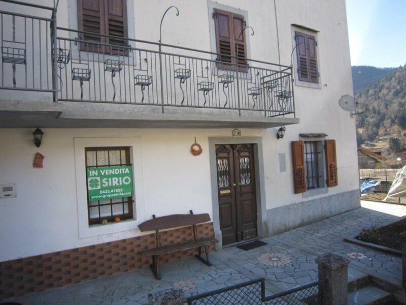 Appartamento bicamere in bifamiliare Paularo