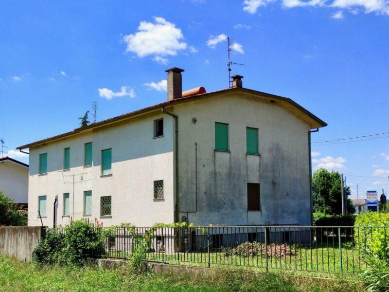 PIERIS : PORZIONE DI BIFAMILIARE COMPOSTA DA DUE ABITAZIONI E IDEALE PER DUE FAMIGLIE San Canzian d'Isonzo