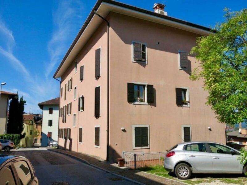 PANORAMICO APPARTAMENTO BICAMERE IN CENTRO CON CANTINA E GARAGE San Daniele del Friuli