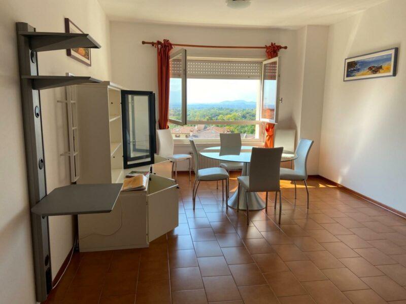 Panoramico appartamento bicamere arredato con posto auto coperto San Daniele del Friuli