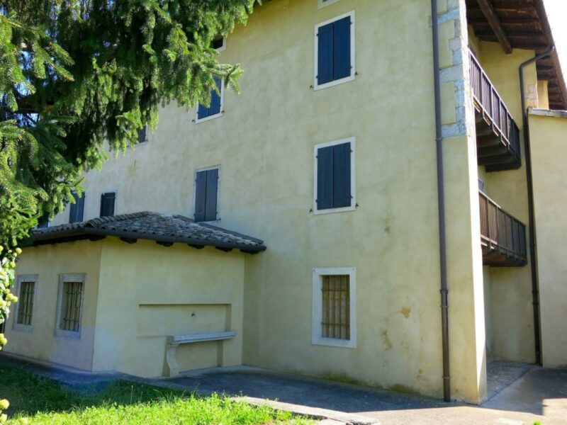 SPLENDIDA CASA TRICAMERE RISTRUTTURATA IN STILE RUSTICO Forgaria nel Friuli