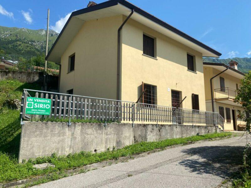 Casa indipendente tricamere con giardino Taipana