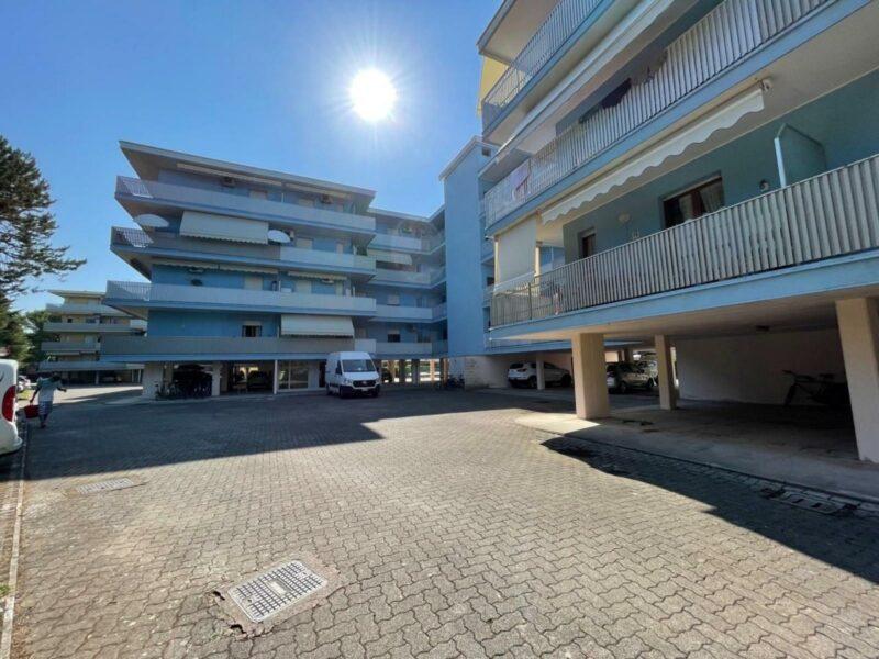 Appartamento monocamera terrazzato e con posto auto Bibione