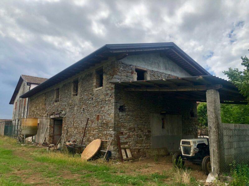 Fabbricato al grezzo con ampio scoperto Cividale del Friuli