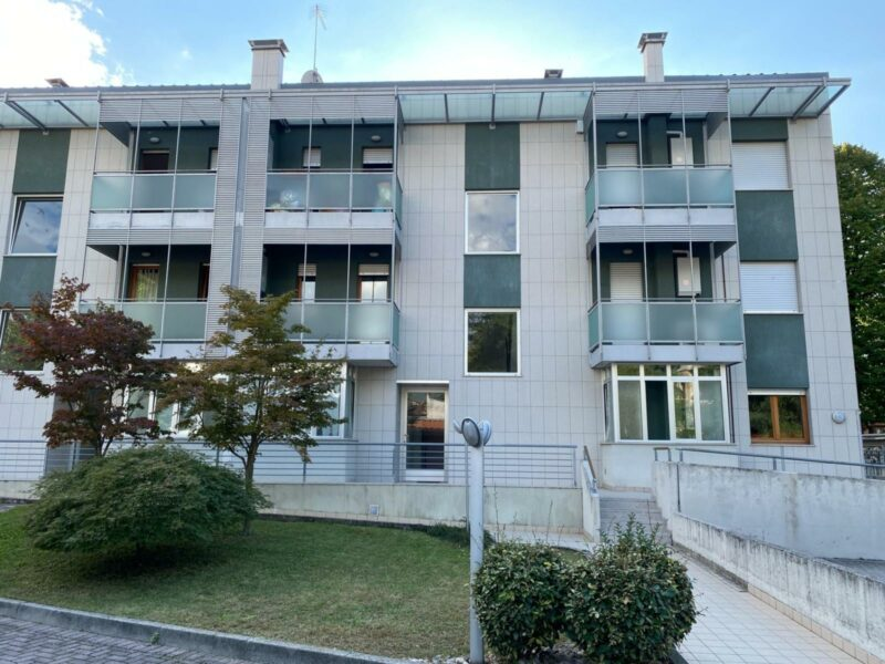 RECENTE BICAMERE CON 2 TERRAZZI, CANTINA E GARAGE Gorizia