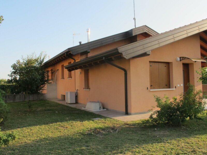 Villa tricamere Lestizza