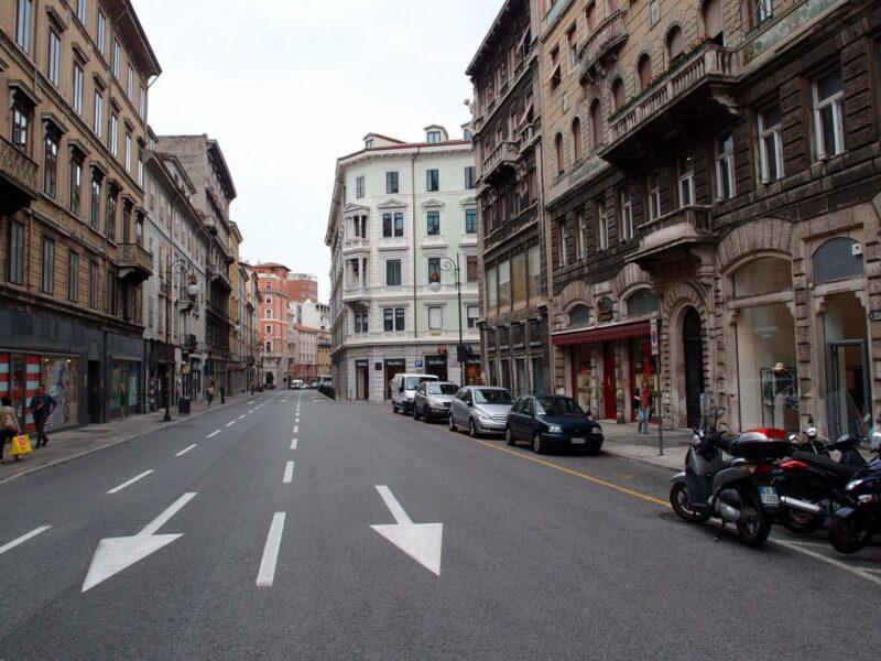 Negozio visibilissimo in zona centrale Trieste