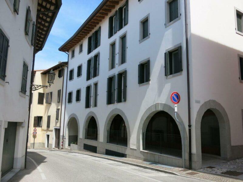 NUOVO LOCALE COMMERCIALE/DIREZIONALE IN CENTRO STORICO San Daniele del Friuli