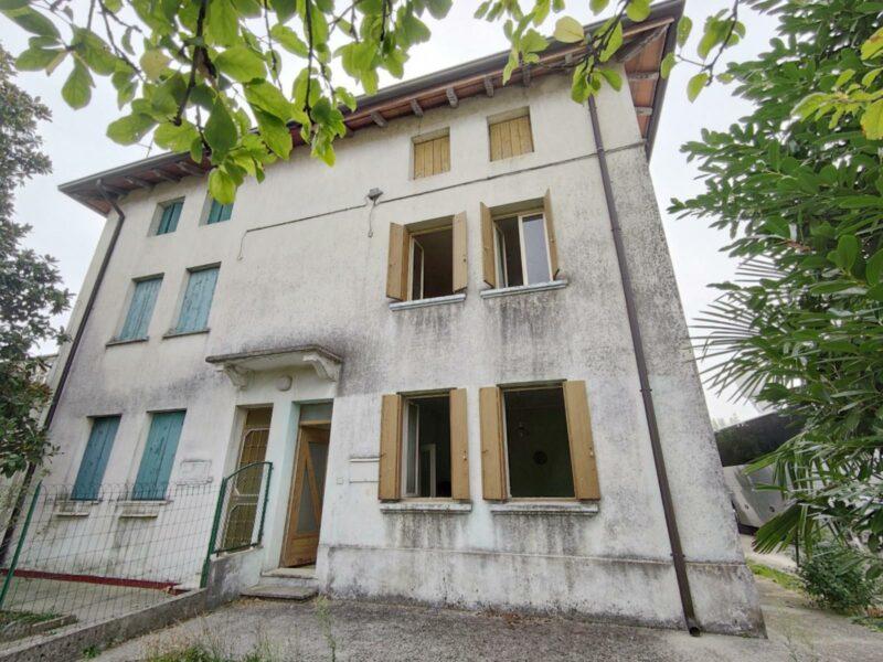 Casa in bifamiliare con giardino Muzzana del Turgnano