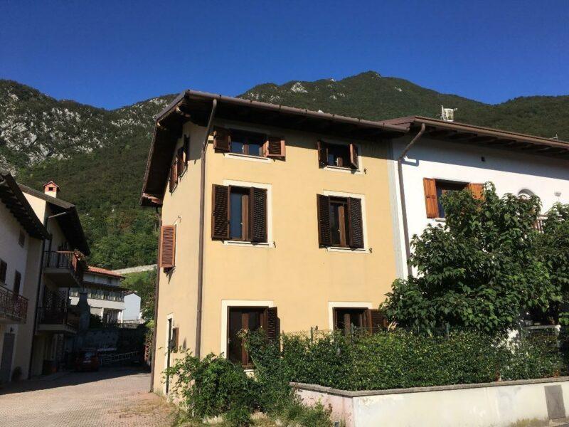 casa tricamere in zona servita Gemona del Friuli